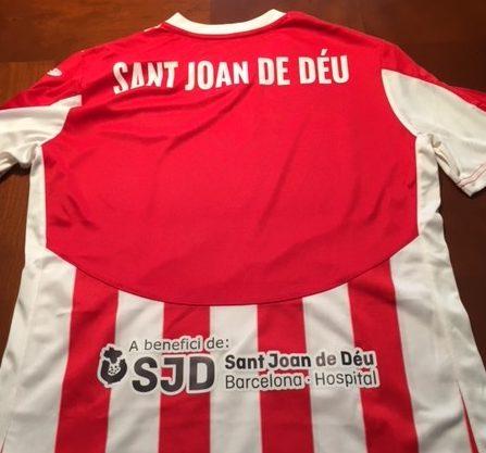 Samarretes solidàries de la Penya Esplugues per a la diabetis infantil || Camisetas solidarias de la Penya Esplugues para la diabetes infantil